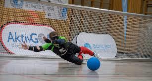 Abwehrszene im Goalball